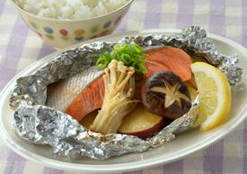 鮭とさつまいものホイル焼き