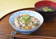 ジューシー(沖縄風炊き込みご飯)