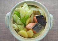 鮭とキャベツのみそ鍋