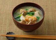舞茸と小松菜のみそ汁